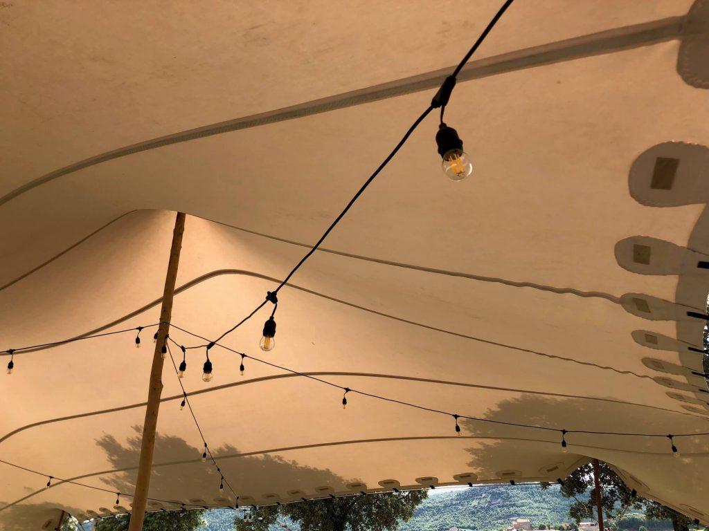 Éclairage top tent